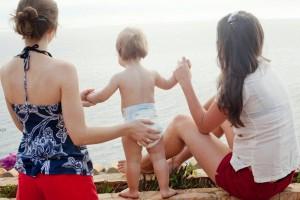 Donna g*y separata può vedere figli della ex. Consulta: tutela esiste già