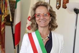 Sindaca della Lega Nord celebra nozze gay e Salvini vuole cacciarla...