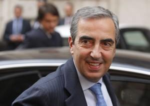 """Maurizio Gasparri: """"Alcuni senatori si fanno di cocaina. Basta vedere come si comportano..."""""""