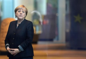 """Brexit, Merkel avverte May: """"Niente mercato Ue senza libera circolazione di persone in GB"""""""