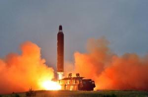 Corea del Nord lancia un altro missile. Ma fallisce...