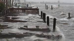 ambiente. l'uragano nicole piomba su arcipelago bermude