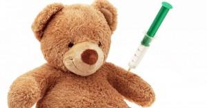No vaccini: primi provvedimenti contro due medici. Si muove l'Ordine