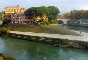 Guarda la versione ingrandita di Roma, partorisce in strada davanti a Fatebenefratelli. Medici la assistono