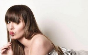 "Paola Saulino come Madonna: ""Pomp*** a chi vota No al Referendum"""