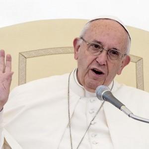 """Giovane nigeriano a papa Francesco: """"Mi hanno portato in un hotel e lì..."""""""