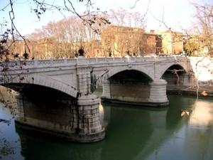 Terremoto, Roma: Ponte Mazzini chiuso per crepa, inagibili 2 chiese