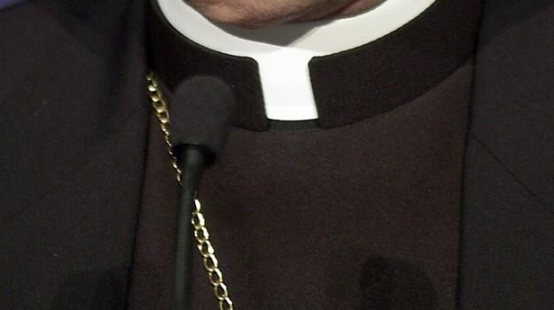 Sestri ponente sottraggono a zio sacerdote mezzo milione - Cointestare casa ...