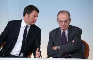 Guarda la versione ingrandita di Manovra: pensioni, canone Rai, bonus mamme, ecobonus...tutte le novità (nella foto Ansa, Renzi e Padoan)