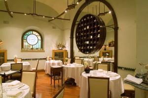 """Roma, ristorante stellato """"Agata e Romeo"""" vende ai cinesi: dalla stella Michelin alle lanterne"""