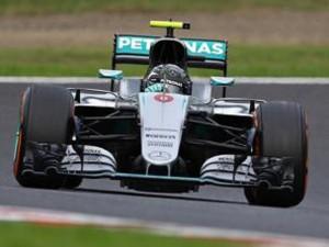 Guarda la versione ingrandita di F1, Gp Giappone: vince Mercedes di Rosberg, solo quarta la Ferrari