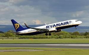 Malore sul volo Ryanair Roma-Lamezia Terme: paura a bordo