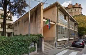 Padova: soffitto scricchiola, maestre sgomberano l'aula. Poi il crollo