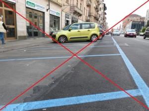 Strisce blu: Milano ne taglia un terzo. E Roma?