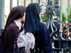 Suore scuola Cagliari: misericordia sì, ma prima viene il cliente