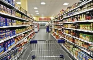 Guarda la versione ingrandita di Pera nelle mutande, molesta cliente del supermercato