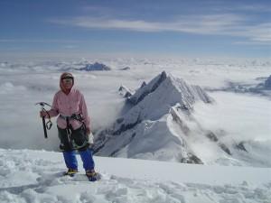Junko Tabei morta, è stata la prima donna a scalare l'Everest