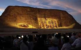 """Guarda la versione ingrandita di Egitto. Al tempio di Ramses II Abu Simbel si ripete il """"miracolo"""" del sole"""