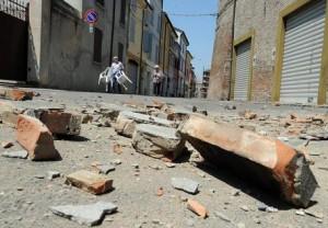 """Terremoto Emilia, Casalesi e 'ndrangheta: """"patto"""" per business ricostruzione"""