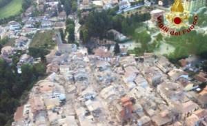 Guarda la versione ingrandita di Terremoto: risarcimento per prime e seconde case. Tutte le misure nel decreto (foto d'archivio Ansa)