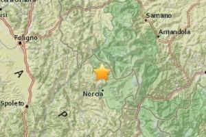 Guarda la versione ingrandita di Terremoto 30 ottobre: crolli a Muccia, Tolentino, Ussita, Arquata del Tronto