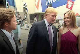 """VIDEO Donald Trump: """"Se vip? Puoi fare alle donne quello che vuoi"""""""
