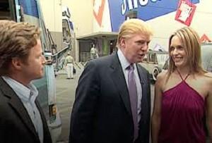 """YOUTUBE Donald Trump dopo il video sessista: """"Non lascio, mi supportano"""""""