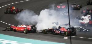 F1 Vettel, disastro danno e beffa. Penalizzato di tre posizioni in partenza Suzuka