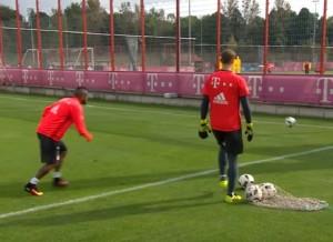 YOUTUBE Arturo Vidal gol da dietro la porta...di un altro campo
