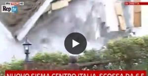YOUTUBE Visso, casa crolla in diretta durante scosse di assestamento