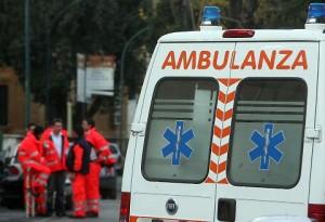 Bolzano, auto va fuori strada e finisce nel torrente: in due muoiono affogati
