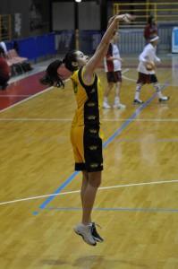 Guarda la versione ingrandita di Valentina Vignali, altezza - peso della giocatrice di basket più bella d'Italia