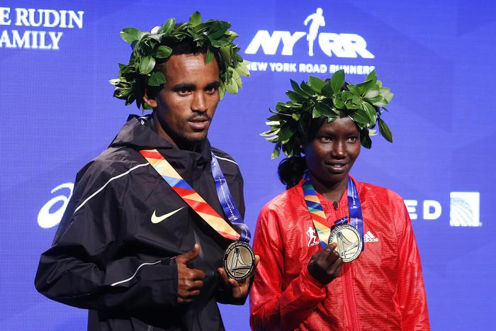 Maratona di New York 2016, vincono Ghebresiassie e Keitany. 2900 italiani partecipanti