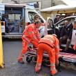 Firenze, anziano investe padre e figlio di 20 mesi in bici e si schianta contro auto 8