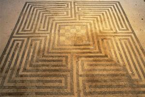 Guarda la versione ingrandita di A Pompei riaprono Domus chiuse da decenni: tra queste la Casa dei Mosaici Geometrici FOTO