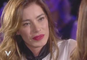 """Aida Yespica, Silvia Toffanin: """"Sei stata violentata?"""". Lei in lacrime"""