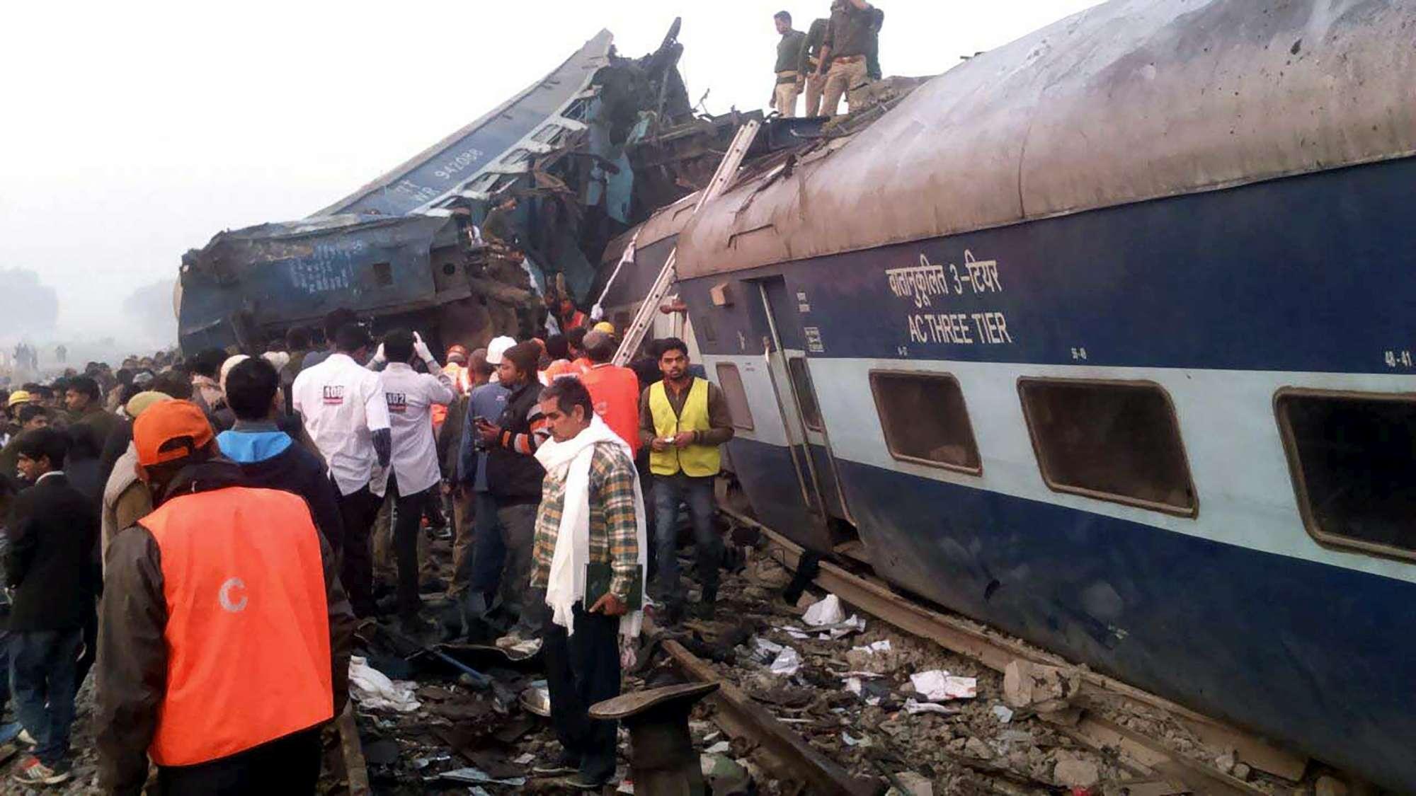 India, deraglia treno in Uttar Pradesh: almeno 91 morti