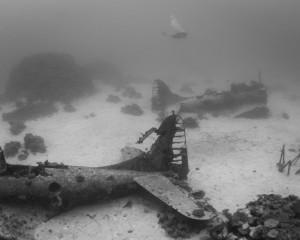 Cimitero sottomarino degli aerei della seconda guerra mondiale 8888