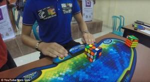 Cubo di Rubik risolto in 4,74 secondi nuovo record del mondo