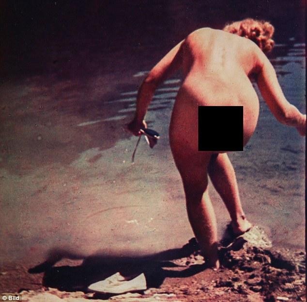 Eva Braun senza vestiti fa il bagno nel lago austriaco le FOTO della Bild2