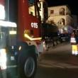 Firenze, camion rifiuti sbaglia strada e finisce giù per le scale incastrato4