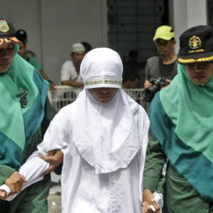 Indonesia, donna accusata di adulterio