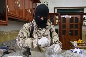 sis mostra come fabbricare ordigno in casa