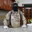 Isis mostra come fabbricare ordigno in casa e come sgozzare infedeli6