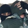 Isis mostra come fabbricare ordigno in casa e come sgozzare infedeli3