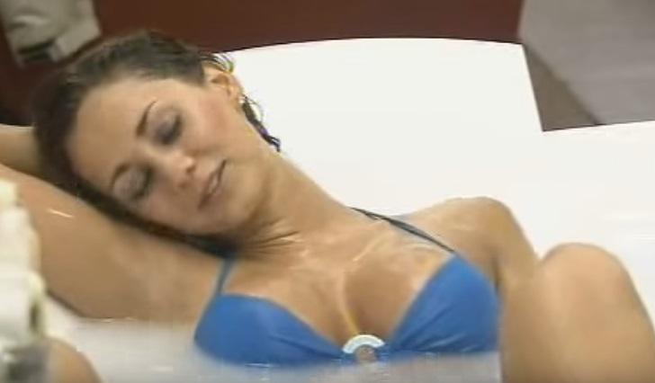 Youtube grande fratello australiano scandalo nella vasca for Vasca da bagno per lui e per lei