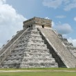 El Castillo, la misteriosa matrioska nella piramide Maya in Messico FOTO 4