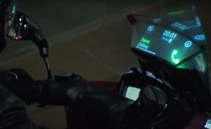 Smart Windshield, parabrezza che proietta i tuoi messaggi dallo smartphone se sei in moto