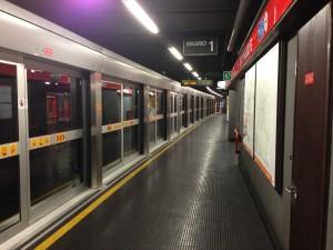Guarda la versione ingrandita di Milano, allarme bomba sulla metro M1: chiusa per un'ora tra Sesto Marelli e Sesto Fs