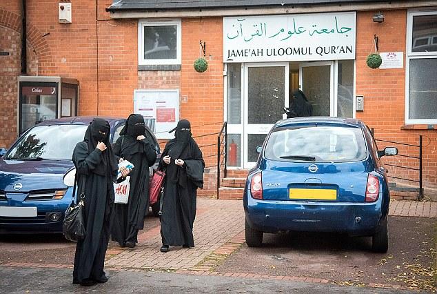 Studentesse col niqab a Leicester in Gran Bretagna6